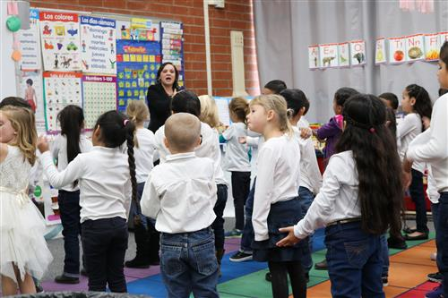 Students in dual immersion kindergarten classroom
