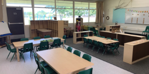 Classroom photo with table and chairs
