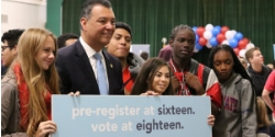 Secretary of State Alex Padilla with El Camino High School students.