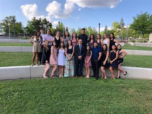 2019 AVID Program Senior Pic 04